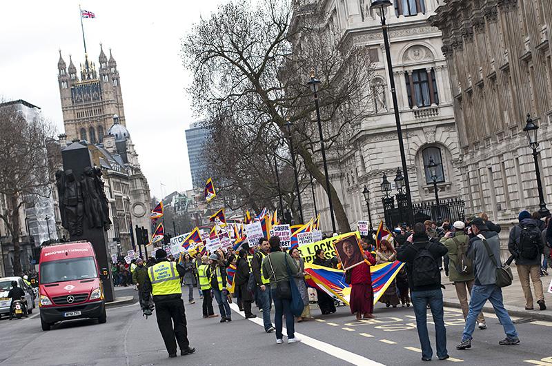 Lubos-Horvat-Free-Tibet-London-2013_05