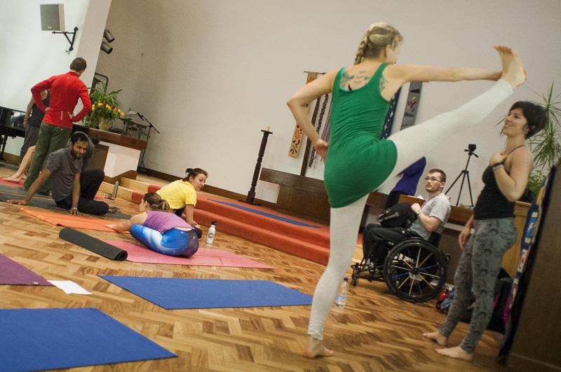 Lubos-Horvat_Yoga-108-Sun-Salutations_2014_18
