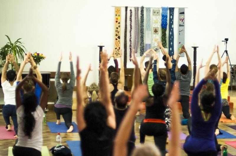 Lubos-Horvat_Yoga-108-Sun-Salutations_2014_21
