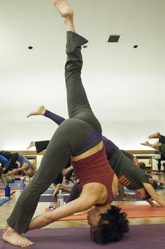 Lubos-Horvat_Yoga-108-Sun-Salutations_2014_36