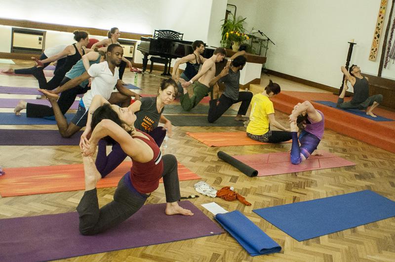 Lubos-Horvat_Yoga-108-Sun-Salutations_2014_66