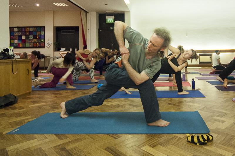 Lubos-Horvat_Yoga-108-Sun-Salutations_2014_67
