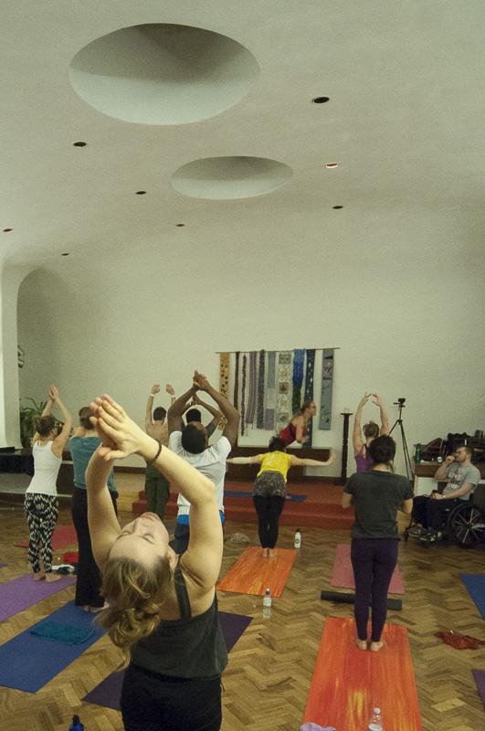 Lubos-Horvat_Yoga-108-Sun-Salutations_2014_78